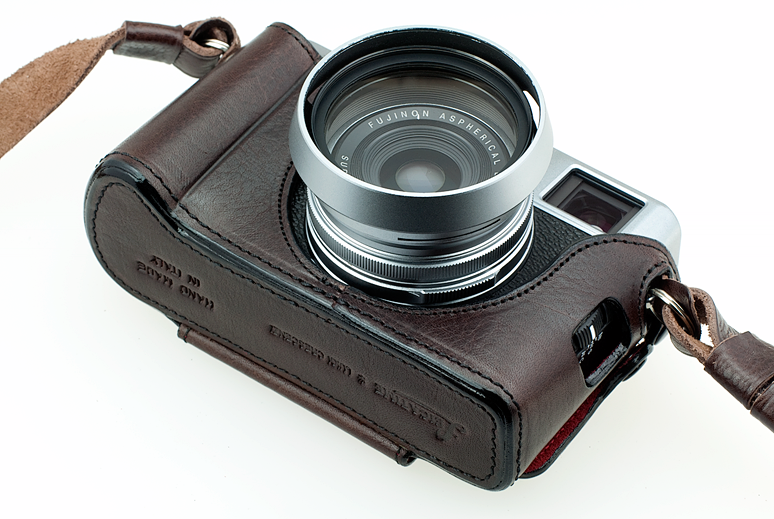 LUIGI'S HALF CASE FOR FUJIFILM X100